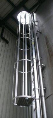 Fasádne únikové rebríky pre výstup na strechu