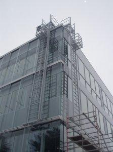 JUST - Mobilní fasádní konstrukce