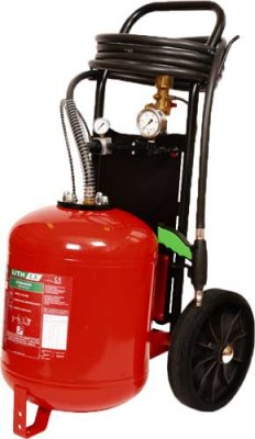 Fahrbarer Feuerlöscher zum Löschen von LIthiumbatteriebränden AVD AVD25L 25 l