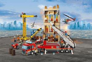 Lego City zásah hasičov v centre mesta - horiaca budova a stavenisko
