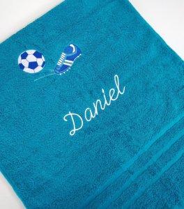 Froté osuška s fotbalovou výšivkou a jménem - azurově modrá